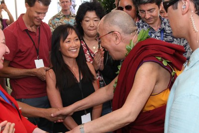 Heidi Chang meets the Dalai Lama in Hawaii | Photo  Eye of the Islands Photography